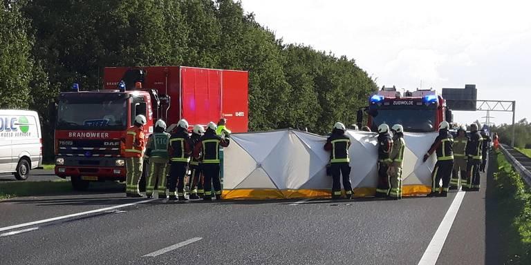 Motorrijder 72 uit Barneveld verongelukt op de A28 bij Hoogeveen.