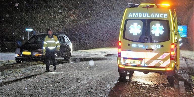 Voetganger komt om door aanrijding met auto.