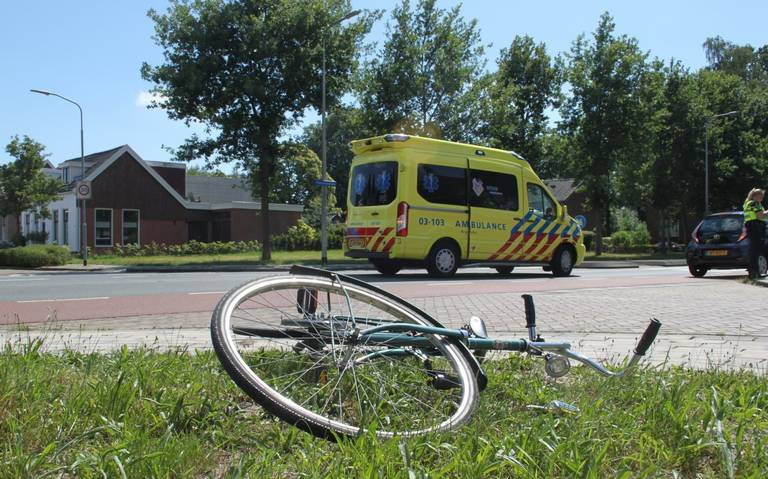Fietser aangereden op Thorbeckelaan Assen: gewond naar ziekenhuis.