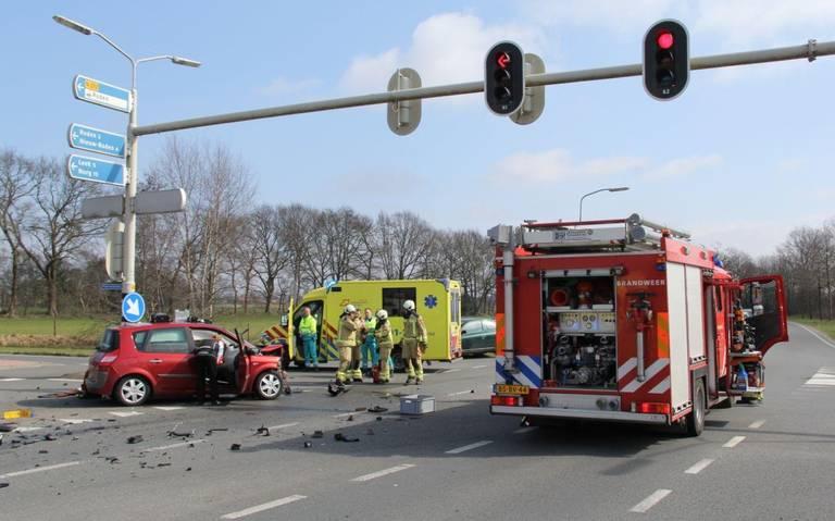 Meerdere gewonden bij ongeluk in Roden.