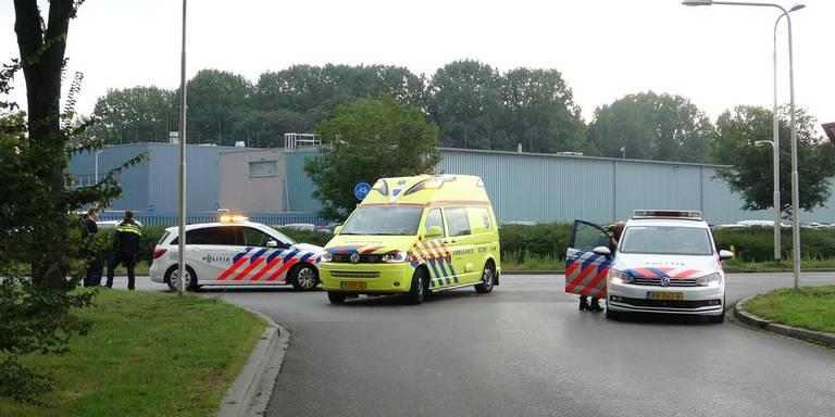 Fietser is gewond na aanrijding met auto in Meppel.