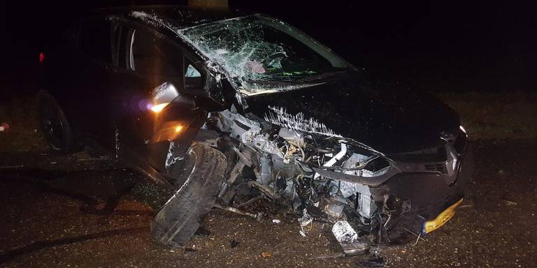 Automobilist gewond na eenzijdig ongeluk in Klijndijk.