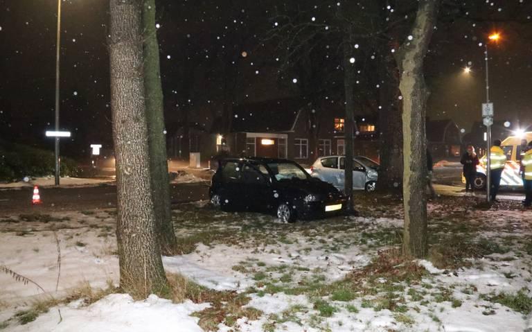 Vrouw gewond na botsing op kruising Wijsterseweg en Toldijk in Hoogeveen.