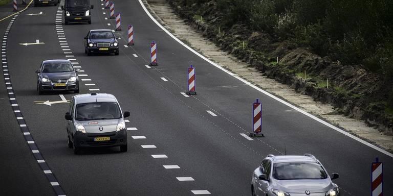File op A28 richting Groningen na ongeluk.