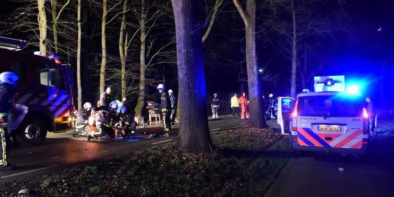 Drie gewonden bij ongeluk Zevenhuisterweg Nieuw-Roden.