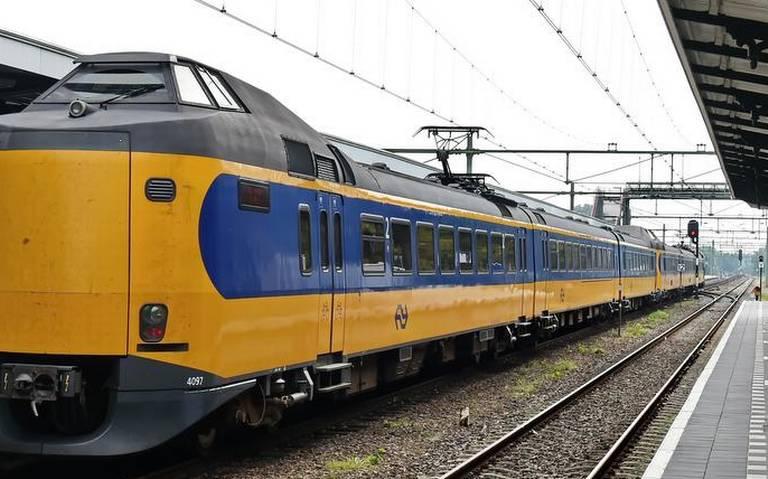 Geen treinen tussen Hengelo en Almelo door aanrijding in Zenderen.