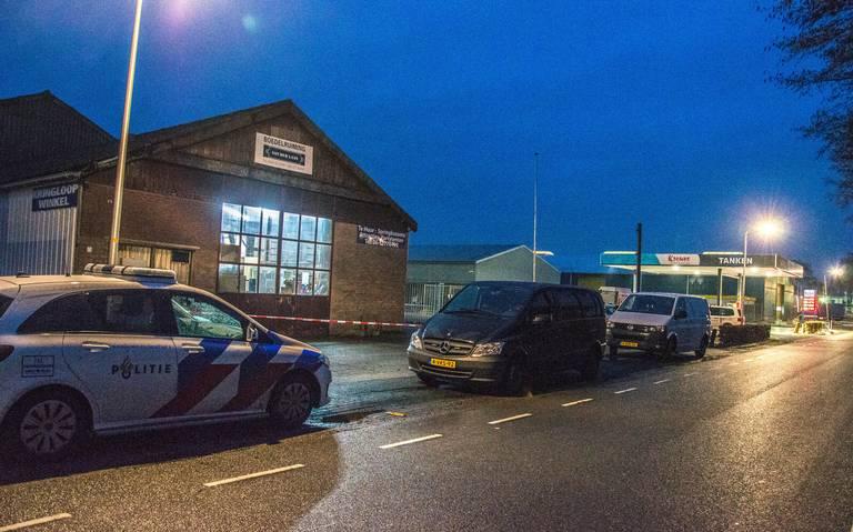 Man overleden bij ongeval in loods aan de Dolderweg in Steenwijk.