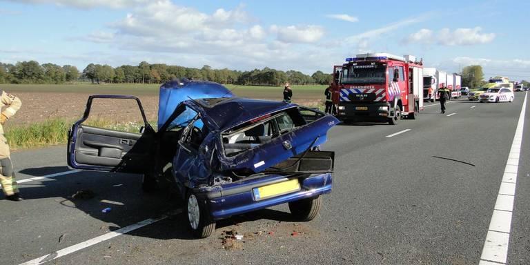 Ongeluk op A37: weg afgesloten tussen Oosterhesselen en Nieuwlande.