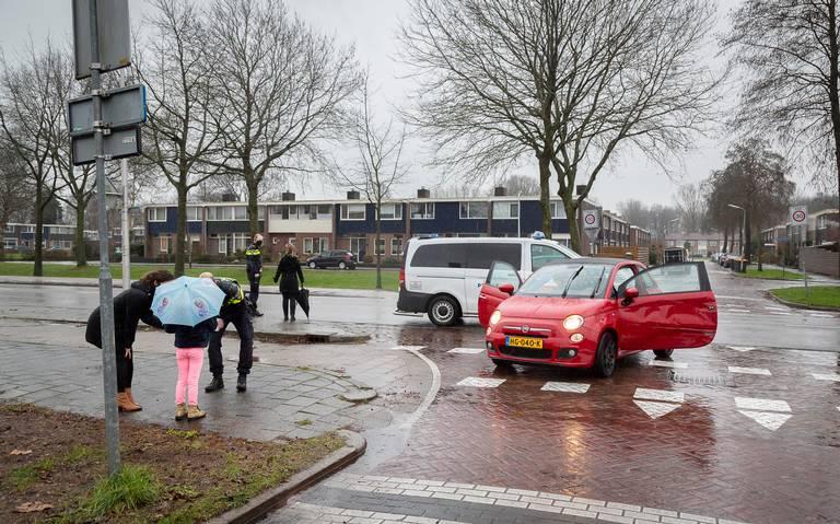 Aanrijding met drie autos op de Boekweitlaan in Hoogeveen.