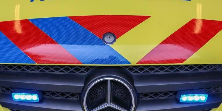 Maaltijdbezorger gewond na botsing in Groningen.