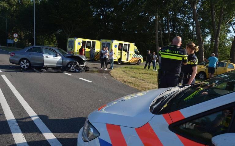 Meerdere gewonden bij botsing op N362 bij Nieuwolda.