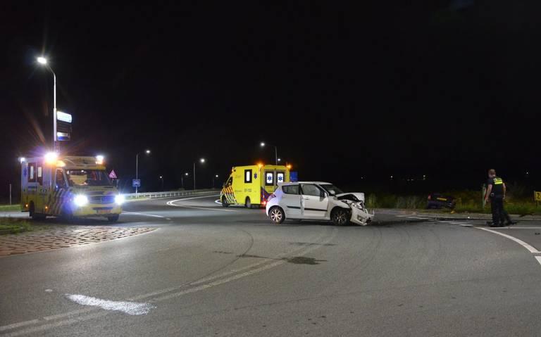 Spookrijder veroorzaakt ongeval op rotonde bij Veendam.