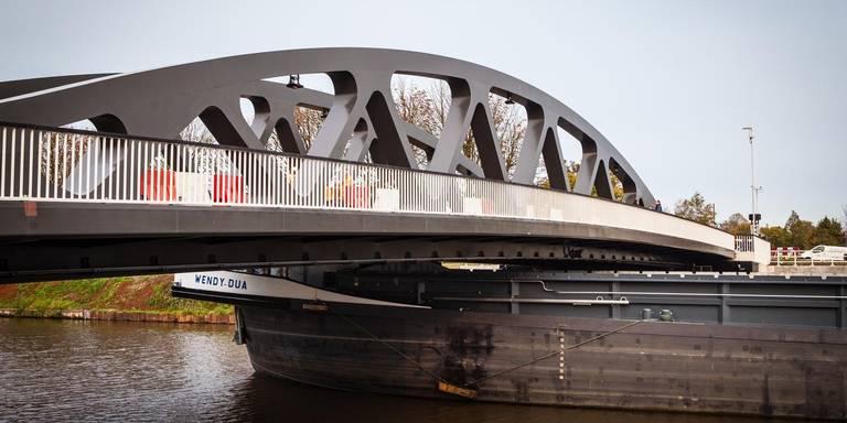 Botsing boot op Paddepoelsterbrug is niet de eerste rampartij op het Van Starkenborghkanaal.