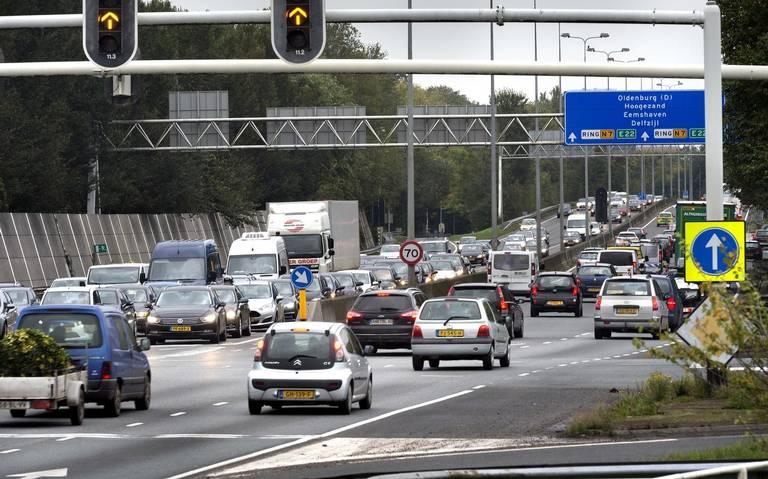 File op A28 vlak voor Groningen door ongeluk.