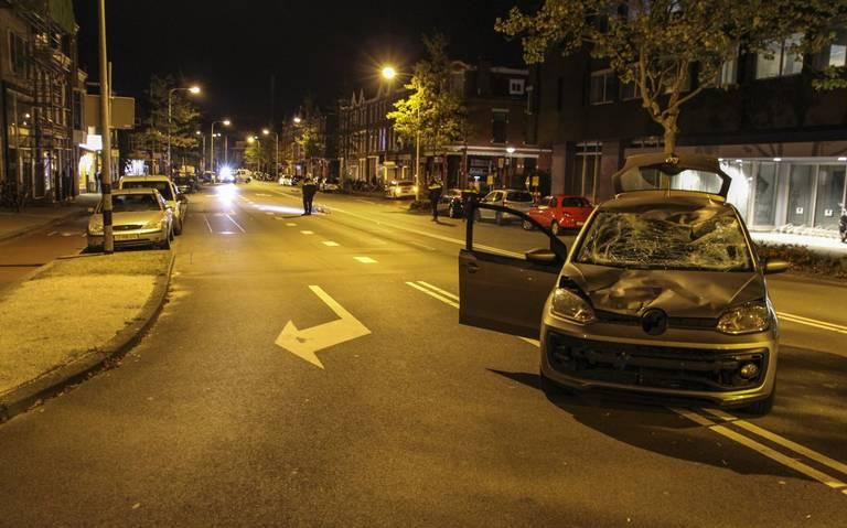 Fietser ernstig gewond na aanrijding op de Paterswoldseweg in Groningen: bestuurder auto probeert verderop zak in Eendrachtskana