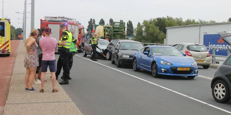 Twee gewonden bij ongeval Sontbrug Groningen.