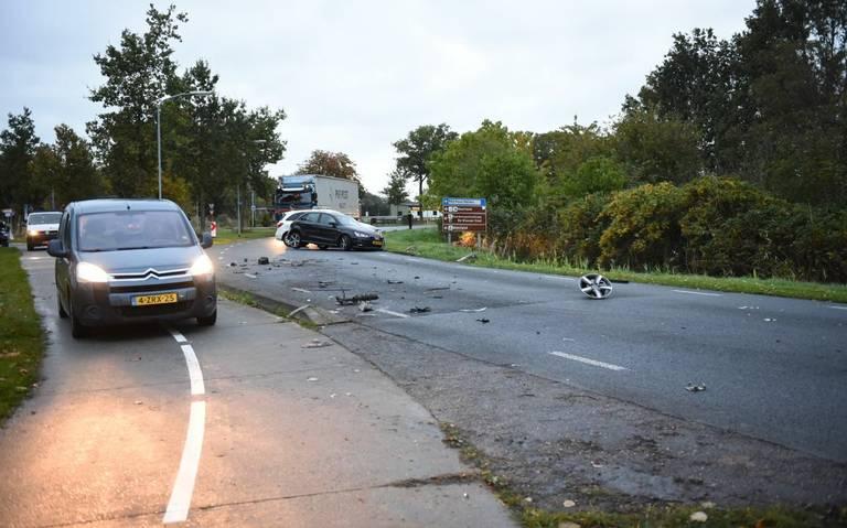 Inzittenden autos gewond na botsing bij Finsterwolde.