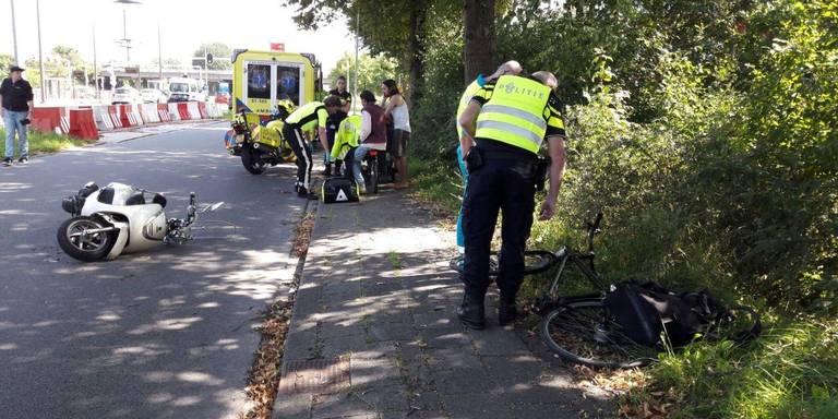 Scooterrijder gewond door ongeluk in Groningen.