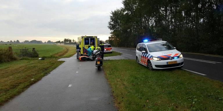 Gewonde door scooterbotsing op de Rijksweg.