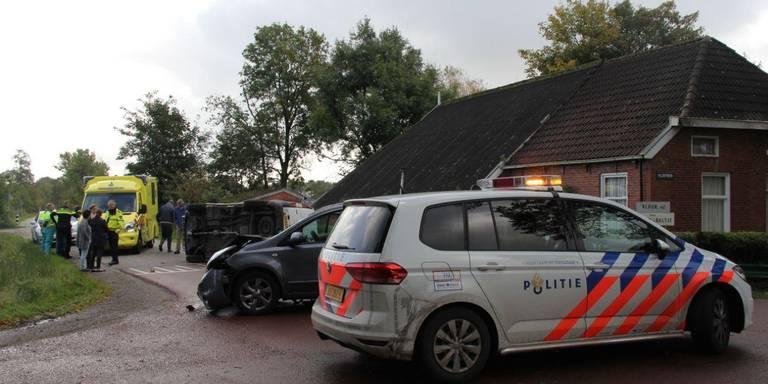 Automobilist na aanrijding Zevenhuizen naar ziekenhuis.