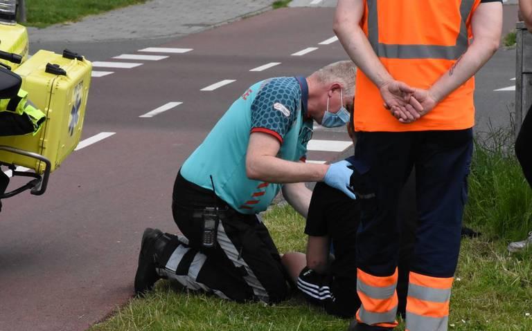 Fietser loopt knieletsel op door aanrijding op de Kajuit in Groningen.