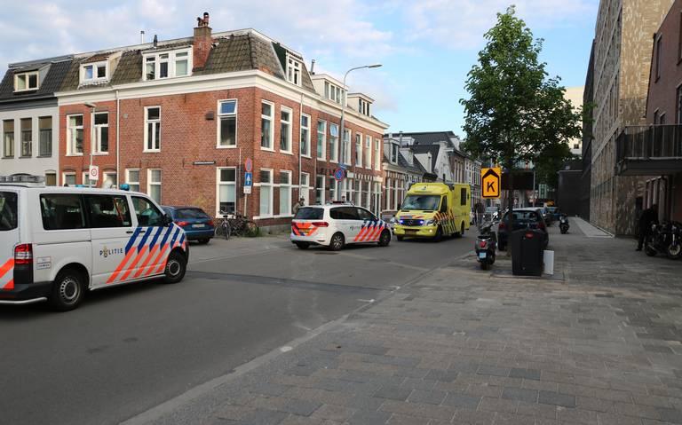 Motorrijder gewond na botsing met scooter op de Oostersingel in Groningen.