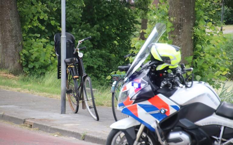 Fietser gewond na aanrijding op de Zuiderweg in Hoogkerk.