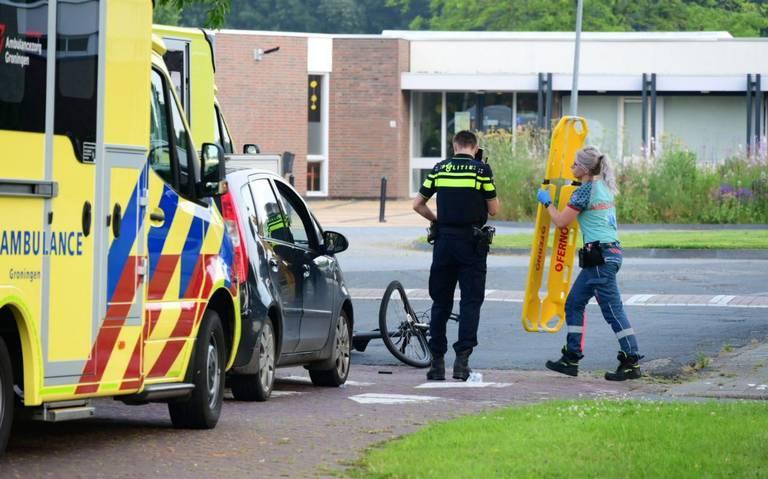 Gewonde bij botsing tussen automobilist en fietser in Delfzijl.