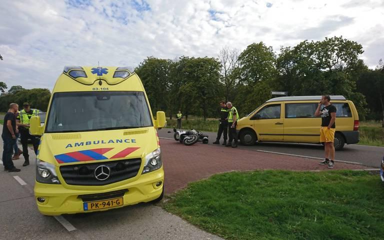 Motorrijder gewond bij ongeluk in Veenhuizen.