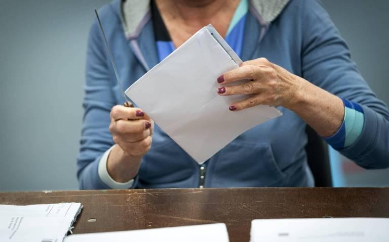 Ouderenbond ANBO maakt zich zorgen over problemen met briefstemmen: Dit is een ongeluk dat je van verre zag aankomen.