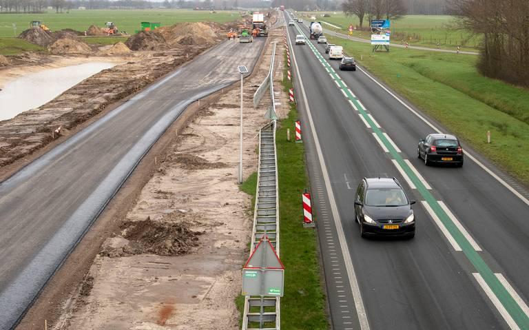 Lange file en ruim een half uur vertraging op N34 tussen Coevorden en Emmen wegens ongeval.