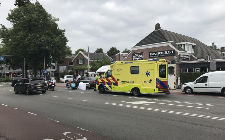 Kop-staartbotsing op de Weerdingerstraat in Emmen. Automobilist raakt gewond door harde klap.