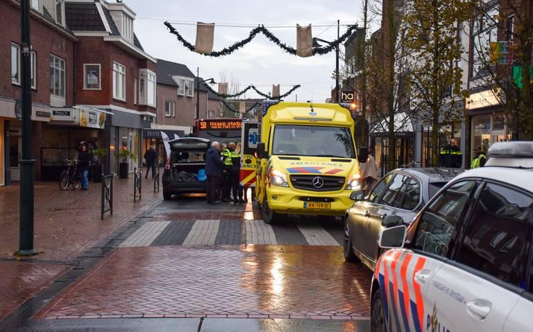 Fietser gewond bij botsing met auto in Haren.