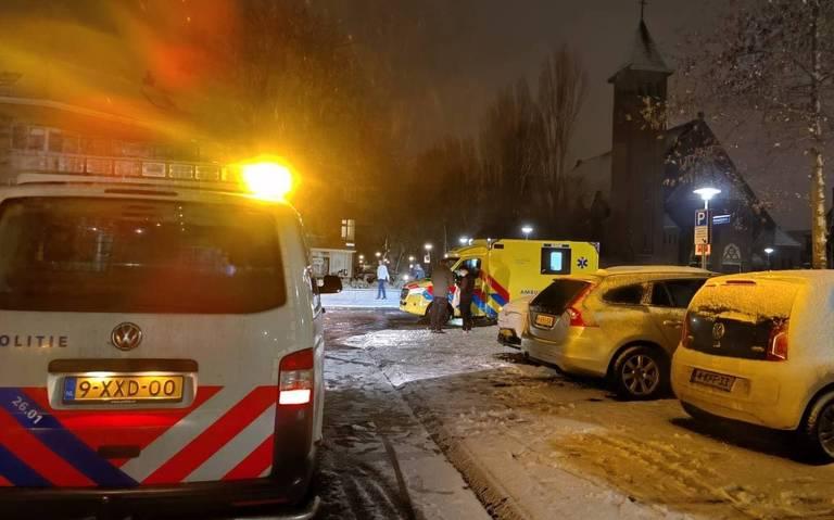 Voetganger in Groningen aangereden door automobilist; bestuurder doorgereden.