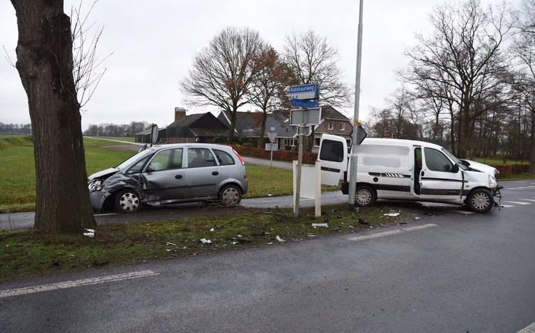 Gewonde bij botsing op Europaweg in Schoonebeek.