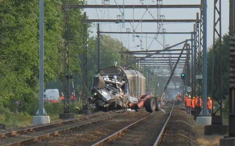 Tot maandagochtend geen treinverkeer tussen Assen en Hoogeveen door ongeluk bij Hooghalen.