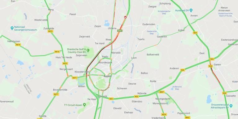 File op de A1 bij Hengelo door aanrijding tussen vijf voertuigen.