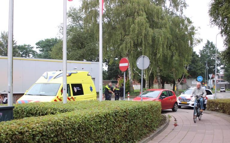 Fietser raakt gewond bij botsing op Statenweg in Emmen.
