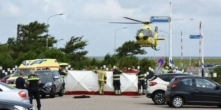 Dode bij auto-ongeluk bij veerdienst Lauwersoog, kind ernstig gewond.