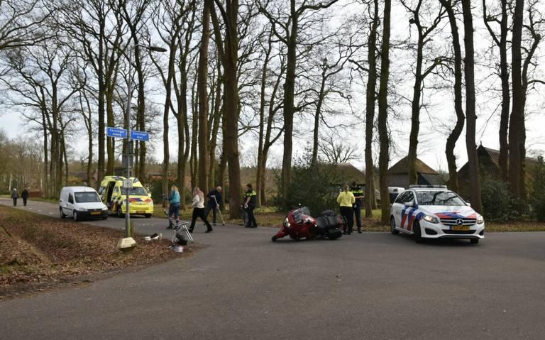 Motorrijder raakt gewond bij botsing met auto in Darp.