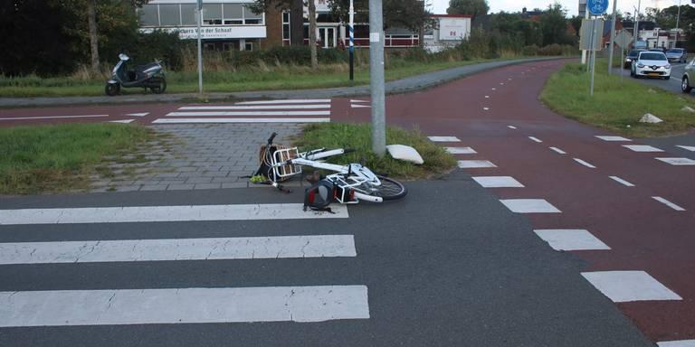 Twee gewonden na aanrijding tussen drie auto's op A28 bij Vries.