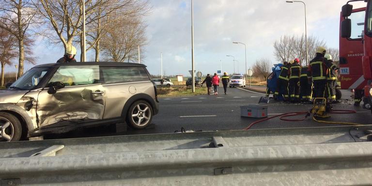 Zes gewonden na aanrijding op N33 bij Losdorp.