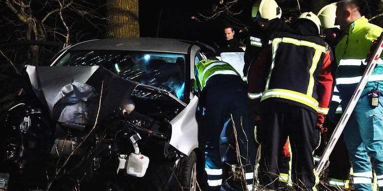 Drie gewonden bij botsing Alteveer.
