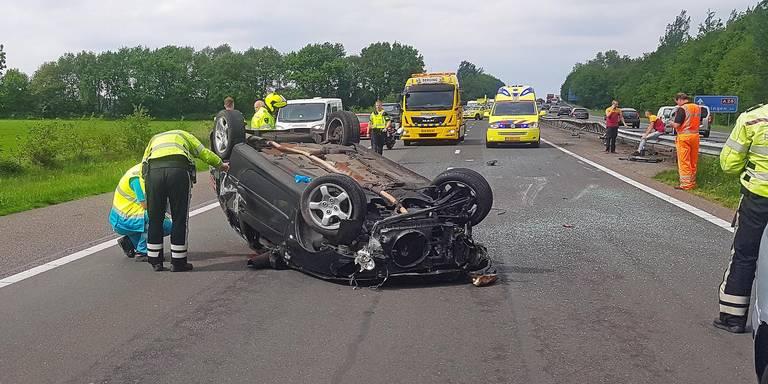 Lange file op A28 door ongeluk.