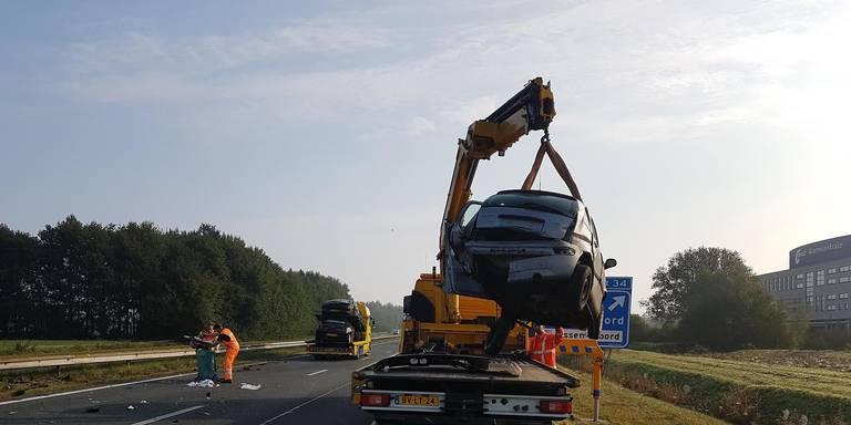 een zwaargewonde na ongeluk op A28, weg richting Groningen weer open.