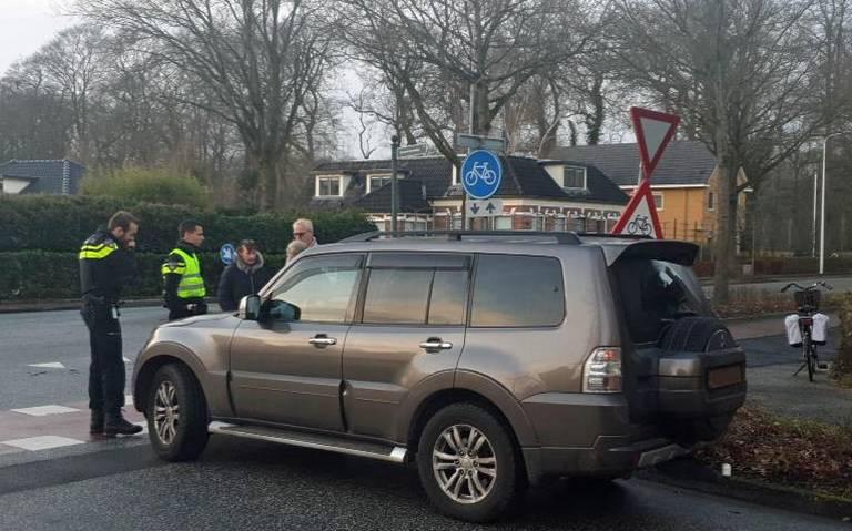 Fietsster gewond bij aanrijding met auto in Glimmen.