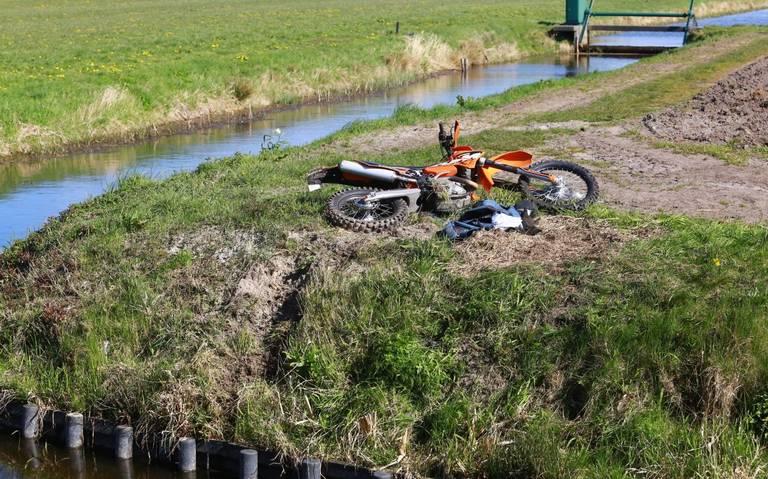 Man uit Assen overlijdt na ernstig eenzijdig ongeval met crossmotor in Annen.