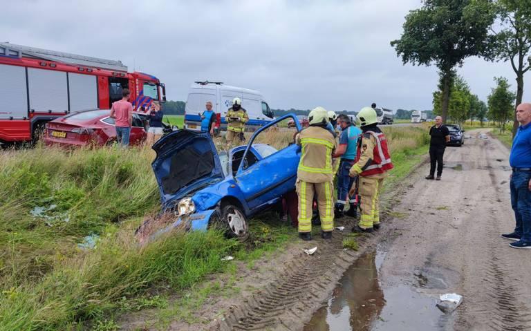 Verkeer loopt volledig vast op de N34 na ongeval tussen Gasselte en Gieten.