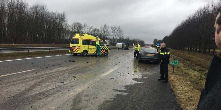 A28 gereinigd; verkeer kan weer ongehinderd langs plek van ongeluk met giertank.
