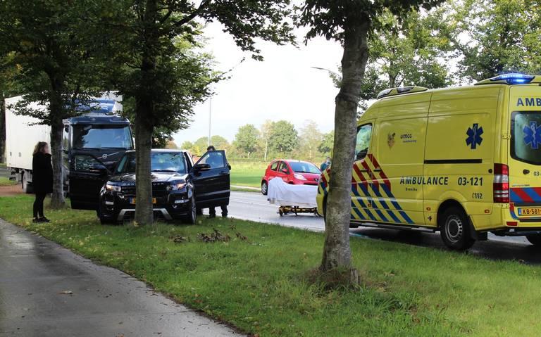 Fietser gewond bij aanrijding met Range Rover in Assen.
